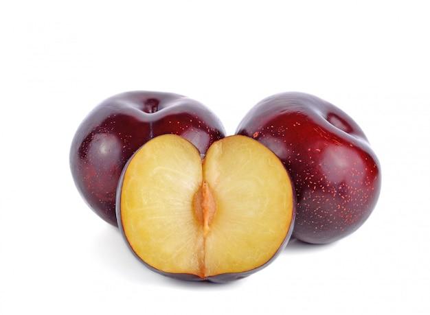 Świeża czerwona czereśniowa śliwkowa owoc odizolowywająca Premium Zdjęcia