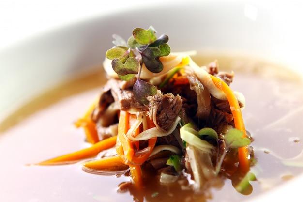 Świeża zupa dla smakoszy z mięsem Darmowe Zdjęcia