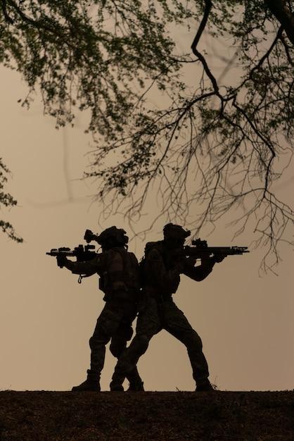 Sylwetka żołnierzy Akcji Premium Zdjęcia