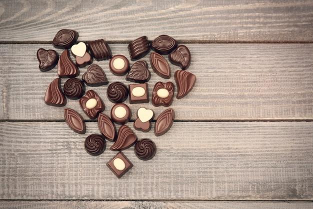 Symbol Miłości Pełen Cukierków Czekoladowych Darmowe Zdjęcia