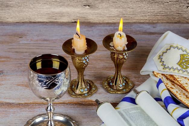 Szabat szalom - tradycyjny żydowski rytuał szabatu Premium Zdjęcia