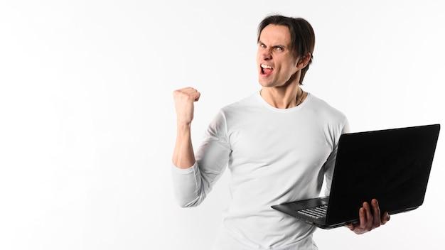 Szczęśliwy Człowiek Z Laptopem Darmowe Zdjęcia