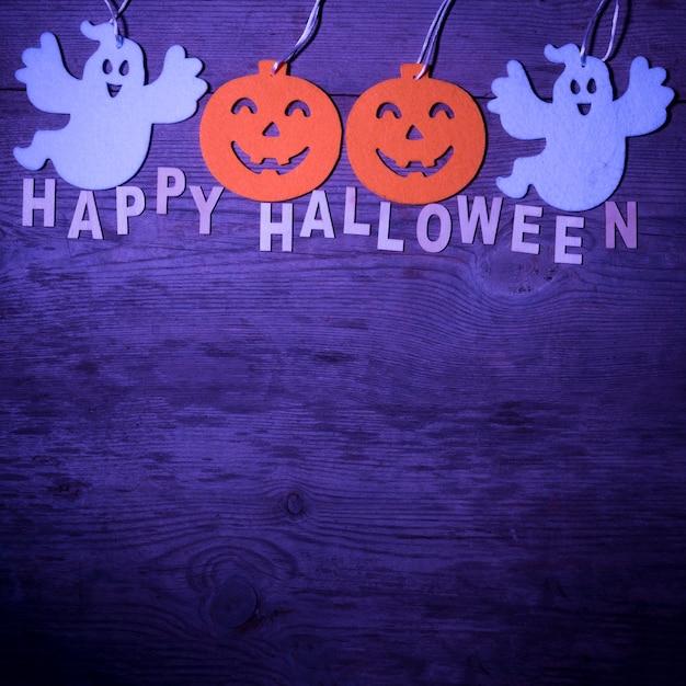 Szczęśliwy Halloween Skład Nad Purpurowym Tłem Darmowe Zdjęcia