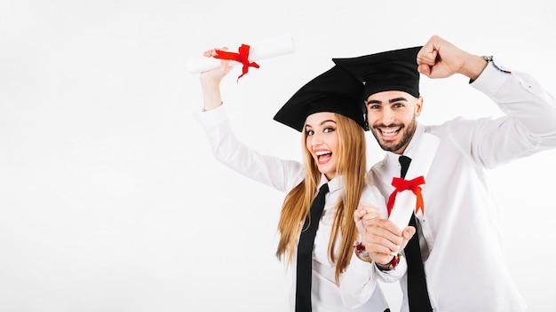Szczęśliwy ukończeniu mężczyzna i kobieta Darmowe Zdjęcia
