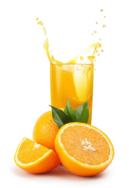 Szklanka Soku Pomarańczowego I Pomarańczy Premium Zdjęcia
