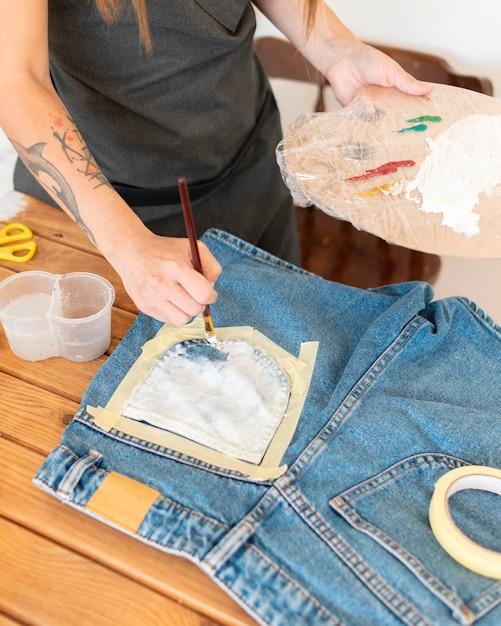 Szorty Do Malowania Ręcznego Z Bliska Premium Zdjęcia