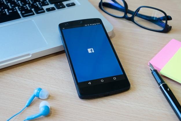 Tabela Strona Drewniane Strona Media Zuckerberg Darmowe Zdjęcia