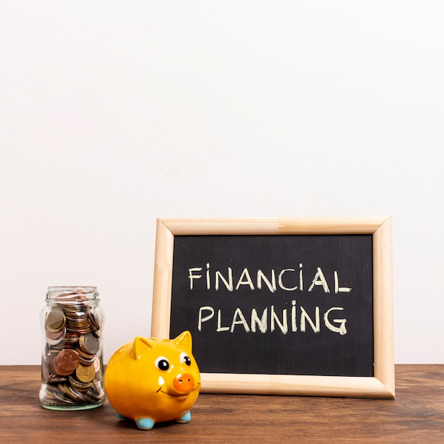 Tablica z tekstem planowania finansowego i pieniędzy Darmowe Zdjęcia