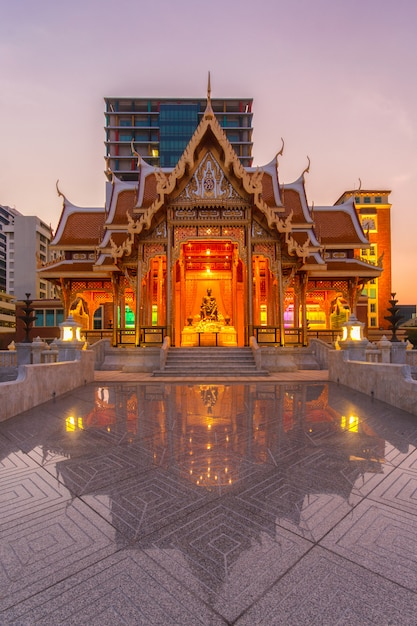 Tajlandia Pawilon Przy Siriraj Szpitalem Przy Mrocznym Czasem, Tajlandia Premium Zdjęcia