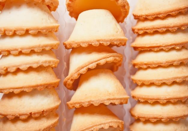 Tartaletki Bez Farszu. Puste Tartaletki. Francuskie Danie Do Sałatek. Kosze Na Ciasto. Premium Zdjęcia