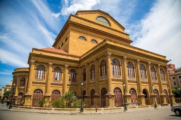 Teatro Massimo W Palermo Na Sycylii Premium Zdjęcia