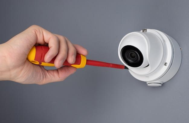 Technik Instalujący Zabezpieczenia Wideo Kamery Cctv Premium Zdjęcia