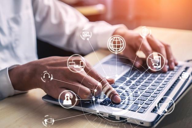Technologia Omni Channel W Handlu Detalicznym Online. Premium Zdjęcia