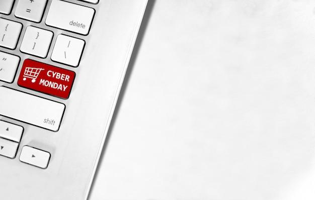 Tekst w cyber poniedziałek na klawiaturze laptopa Premium Zdjęcia