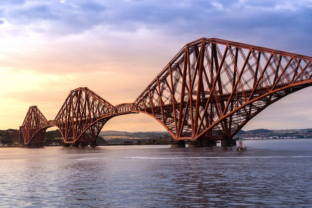 The Forth Bridge Edinburgh Premium Zdjęcia