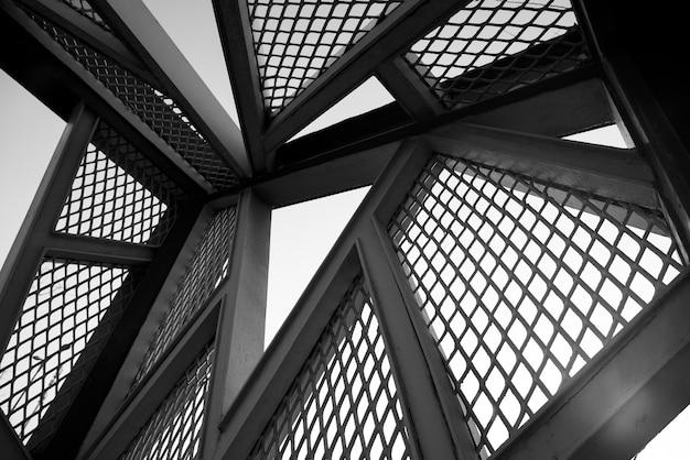 Tło architektoniczne konstrukcji stalowej Premium Zdjęcia