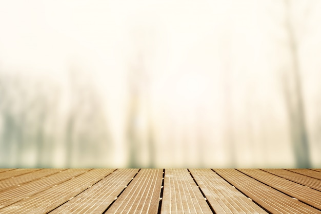 Tło. drewniany chodnik z niewyraźne panoramy mglisty krajobraz Premium Zdjęcia