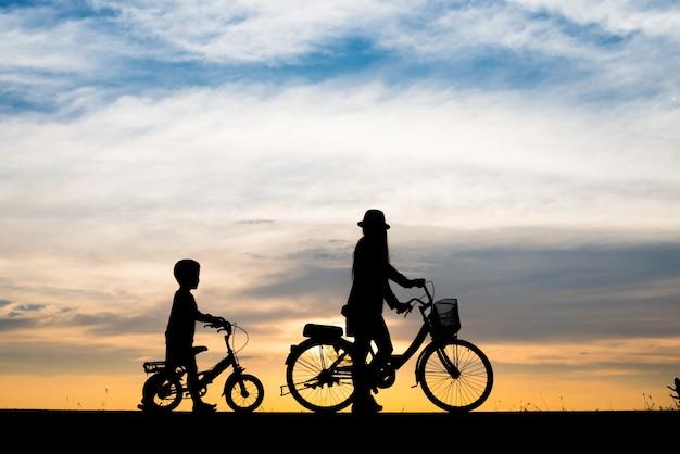 Tło rodziny wieczór sport rowerów Darmowe Zdjęcia
