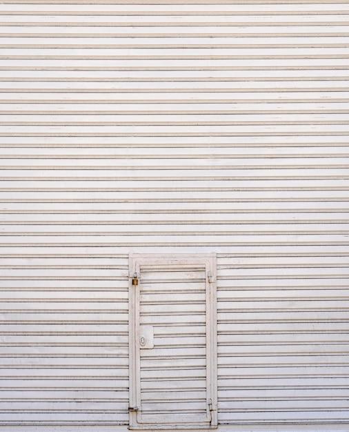 Tło Stalowe ściany Metalowe Z Drzwiami Premium Zdjęcia