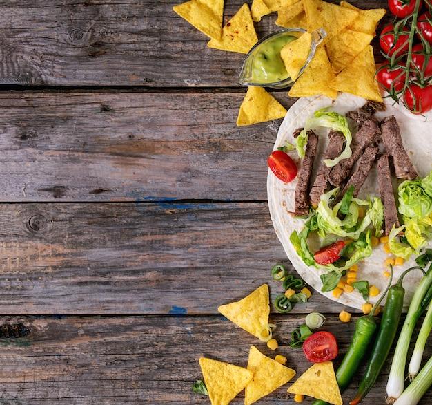 Tło żywności Ze Składników Tortilli Premium Zdjęcia