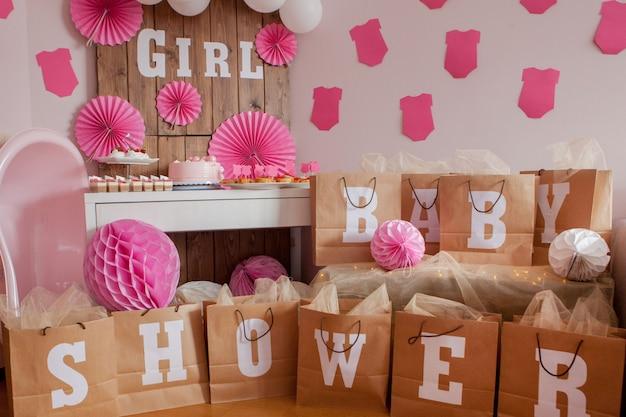 To dziewczyna. baby shower dekoracja na imprezę. Premium Zdjęcia