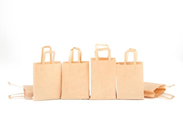 Torby Na Zakupy. Sprzedaż Handel, Rabaty. Stosowanie Materiałów Przyjaznych Dla środowiska. Zero Marnowania. Biały, Izoluj Premium Zdjęcia