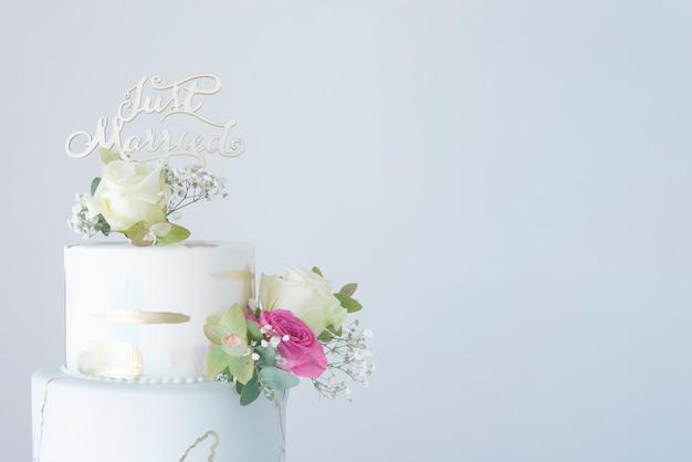 Tort weselny z kremówką Premium Zdjęcia
