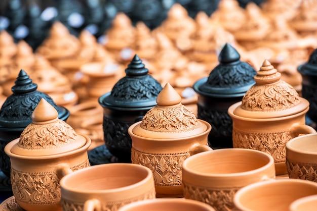 Tradycyjna ceramika tajska Premium Zdjęcia