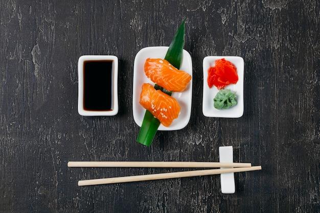 Tradycyjna Japońska Kompozycja Sushi Darmowe Zdjęcia