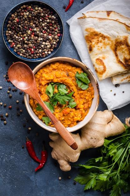 Tradycyjna Soczewica Indyjska Dal Premium Zdjęcia