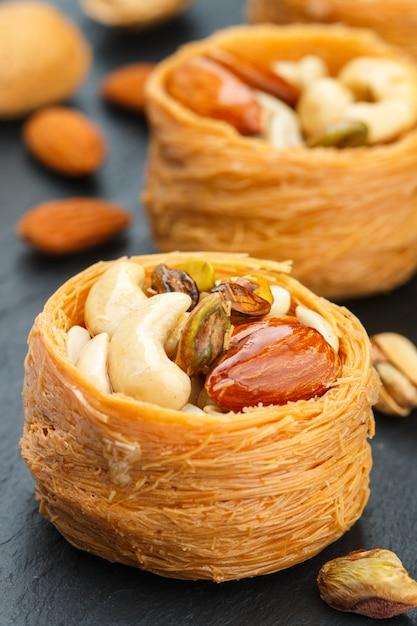 Tradycyjne słodycze bliskiego wschodu Premium Zdjęcia
