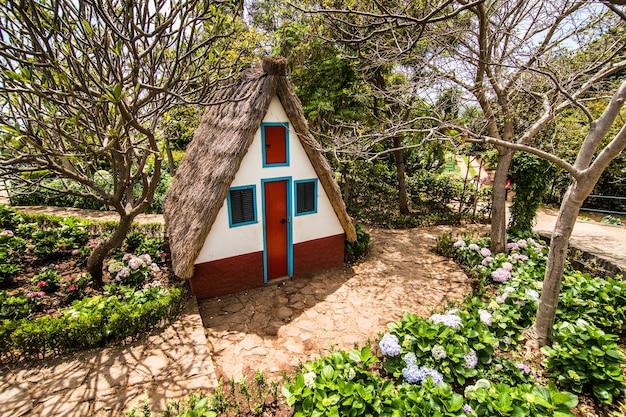 Tradycyjny Dom Na Maderze W Portugalii Darmowe Zdjęcia