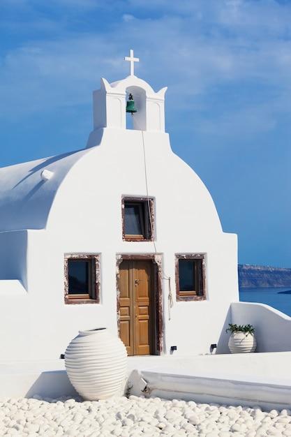 Tradycyjny Grecki Kościół Prawosławny W Oia, Santorini Premium Zdjęcia