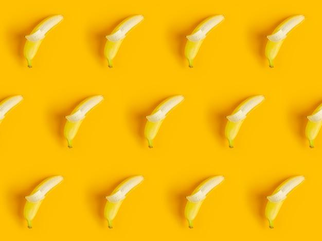 Tropikalny Streszczenie Tło. Wzór Z Bananami. Premium Zdjęcia