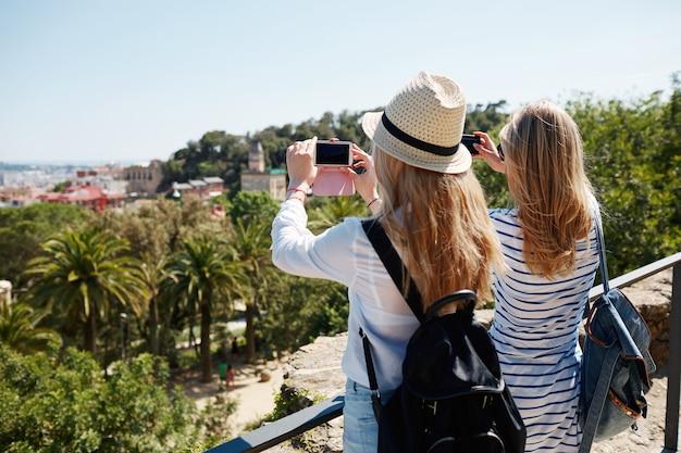 Turystki Robienia Zdjęć W Parku Darmowe Zdjęcia