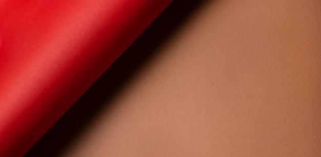 Twisted Czerwony Papier I Miejsce Na Kopię Brązowy Papier Darmowe Zdjęcia