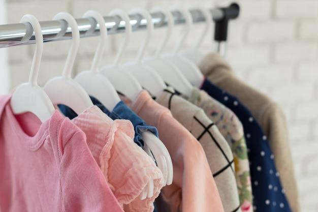 Ubrania dziecięce Premium Zdjęcia