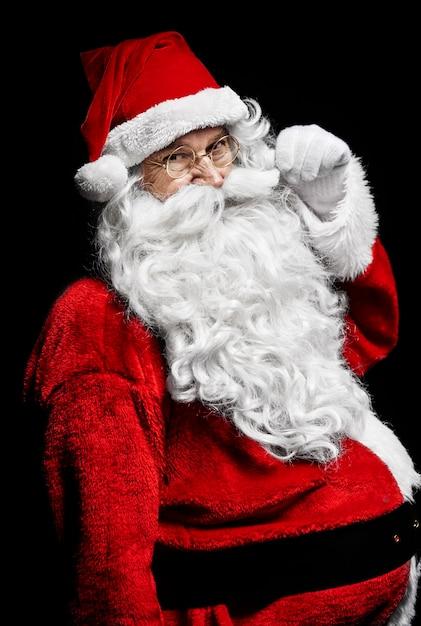 Ujęcie Wesołego świętego Mikołaja W Studio Strzał Darmowe Zdjęcia