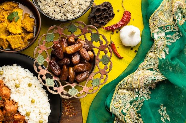 Układ Jedzenia Z Płaskim Leżakiem Sari Darmowe Zdjęcia