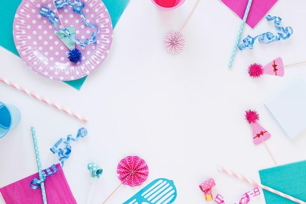 Układ Płaskich Różnych Przedmiotów Urodzinowych Z Miejsca Kopiowania Darmowe Zdjęcia