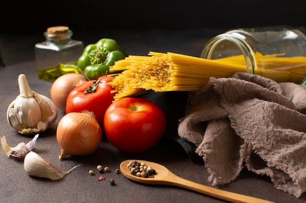 Układ Spaghetti I Pomidorów Darmowe Zdjęcia
