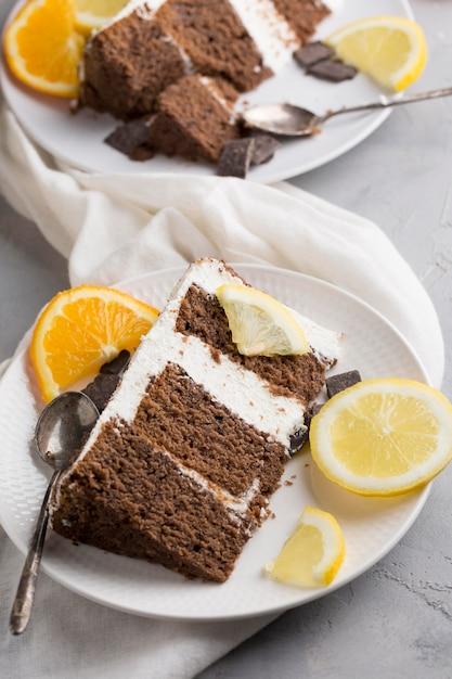 Układanie Ciasta Z Kawałkami Pomarańczy Darmowe Zdjęcia