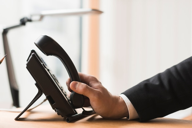 Uprawa biznesmen z telefonu Darmowe Zdjęcia