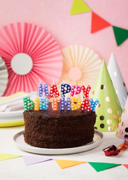 Urodziny Koncepcja Z Ciasto Czekoladowe Darmowe Zdjęcia