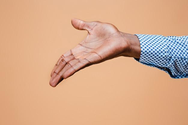 Uścisk Dłoni. Ręce Biznesmena Na Białym Tle Darmowe Zdjęcia