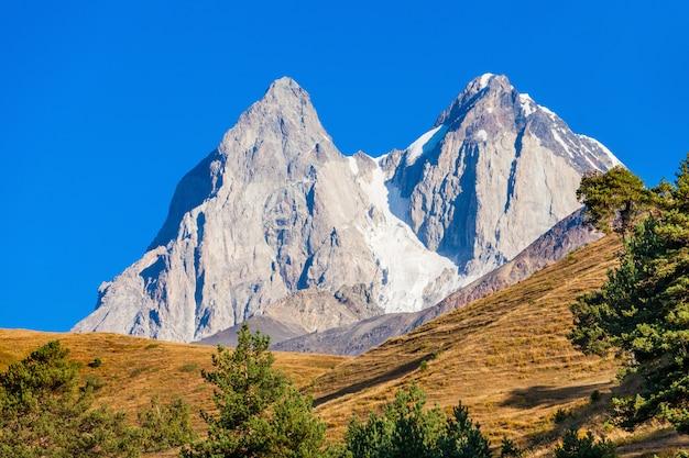 Ushba Mountain, Georgia Premium Zdjęcia