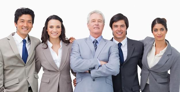 Uśmiechnięty Młody Businessteam Z Ich Mentorem Premium Zdjęcia