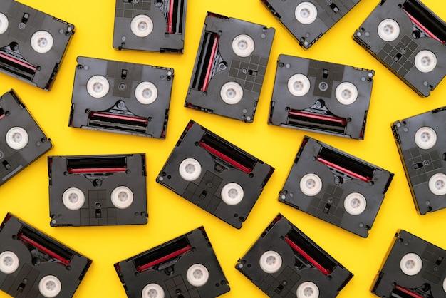 Vintage Kasety Mini Dv Używane Do Filmowania W Ciągu Dnia. Premium Zdjęcia