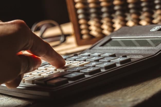 Vintage Liczydła I Kalkulator Premium Zdjęcia