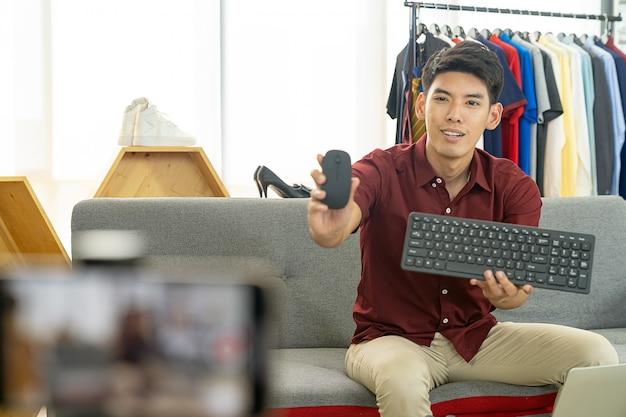 Vlogger Na żywo Recenzja Produkt It Premium Zdjęcia